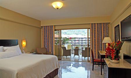 Suite Familiar Club Premium - Hotel Barceló Puerto Vallarta - Puerto Vallarta