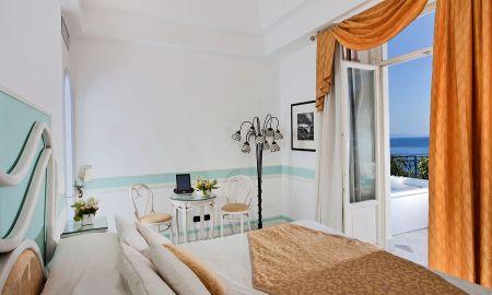 Habitación De Lujo con Jacuzzi y Terraza - Hotel Excelsior Parco - Capri
