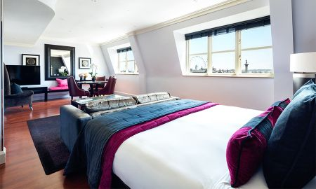 Studio Suite with View of the Square - Offered £15.00 Daily Coupon - Radisson Blu Edwardian Hampshire Hotel - London