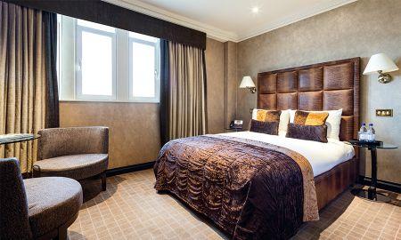 Standard Room - Radisson Blu Edwardian Hampshire Hotel - London