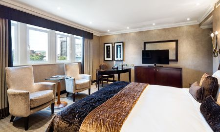 Deluxe Room with View of the Square - Offered £15.00 Daily Coupon - Radisson Blu Edwardian Hampshire Hotel - London