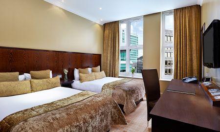 Chambre Familiale (2 Adultes + 2 Enfants) - Coupon de £15.00 par Jour Offert - Radisson Blu Edwardian Grafton Hotel - Londres