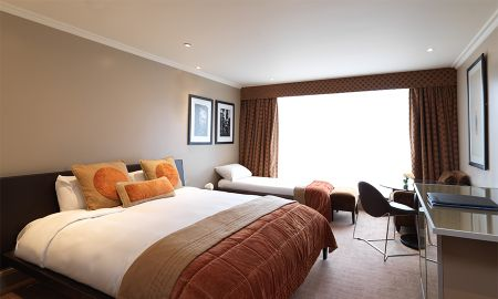 Quarto Triplo - Radisson Blu Edwardian Heathrow Hotel - Londres