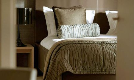 Suite Une Chambre (2 Adultes + 2 Enfants) - Coupon de £15.00 par Jour Offert - Radisson Blu Edwardian New Providence Wharf Hotel - Londres
