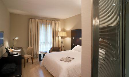 Королевский номер повышенной комфортности - Alexandra Barcelona Hotel, Curio Collection By Hilton - Barcelona