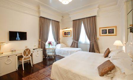 Deluxe Triple Room - Hotel Majestic Roma - Rome