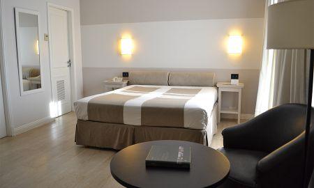 Estudio Junior - Hotel Loi Suites Recoleta - Buenos Aires