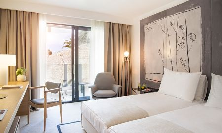 Classic Room with Balcony - Hotel Kompas - Dubrovnik