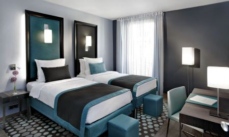 Superior Twin Room - Hotel Bassano - Paris