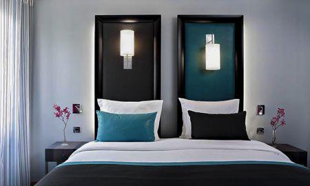 Standard Zimmer - Hotel Bassano - Paris