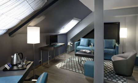 Suite - Hotel Bassano - Paris