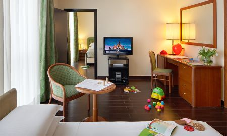 Family Room - Starhotels Business Palace - Milano