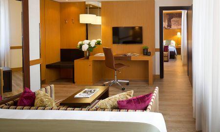 Chambre Familiale - Starhotels Tourist - Milan