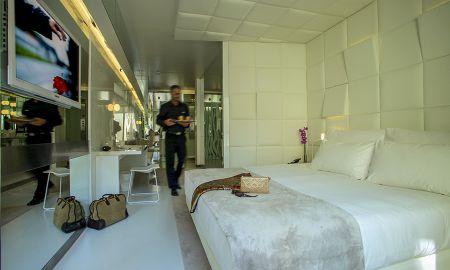 Quarto Deluxe - The Mirror Barcelona Hotel - Barcelona
