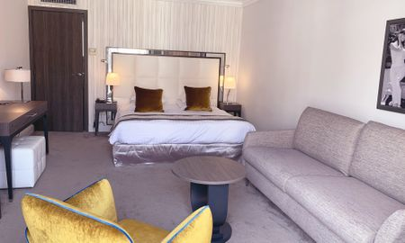 Junior Suite with City View - Hôtel Le Canberra - Cannes