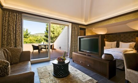 Suite Junior Africana - 3 Adultos - Lindner Golf Resort Portals Nous - Ilhas Baleares