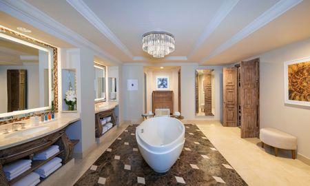 Suite Regal Club - Accesso al Waterpark & Aquarium - Atlantis The Palm - Dubai
