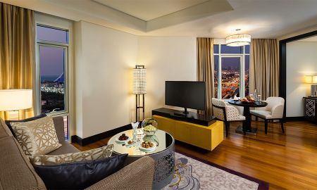 Executive Suite with Free access to Ski Dubai - Kempinski Mall Of The Emirates - Dubai
