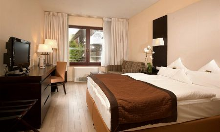 Family Room, 2 adults + 2 children - Lions Garden Hotel - Budapest