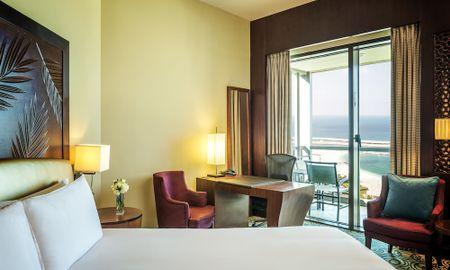 Superior King Room Sea Side View And Private Balcony - Sofitel Dubai Jumeirah Beach - Dubai