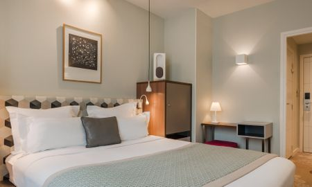 Classic Double Room - Free Spa Access - Le Mareuil - Paris