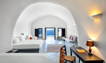 Infinity Suite with private pool spa - Ambassador Aegean Luxury Hotel & Suites - Santorini