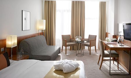 Executive Double Room - K+K Hotel George - London