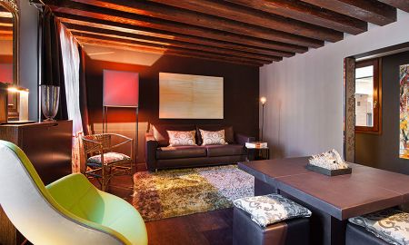 Suite - Charming House IQs - Venice