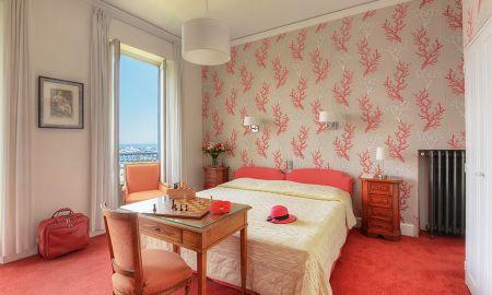 Privilege Queen Room Sea View - Hotel Splendid - Cannes