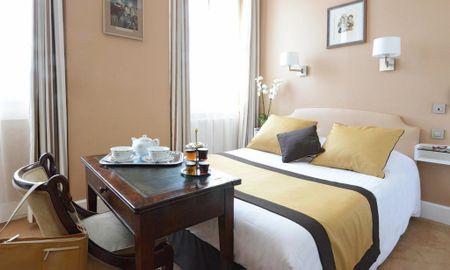 Standard Queen Room City View - Hotel Splendid - Cannes