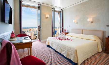 Habitación Superior Queen Vista al Mar - Hotel Splendid - Cannes