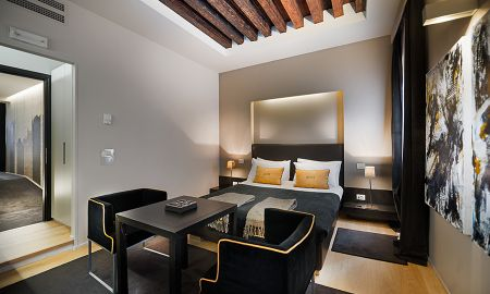 Quarto Comfort - Charming House DD724 - Veneza