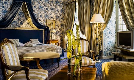 Chambre Royale - Accés Gratuit Spa - Chateau De Villiers Le Mahieu - Paris