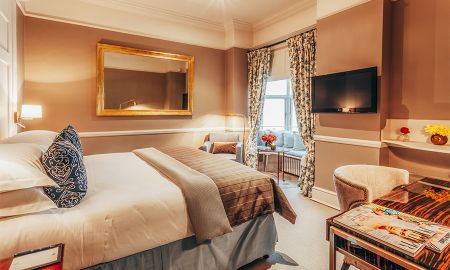 Superior Queen room - 11 Cadogan Gardens - London