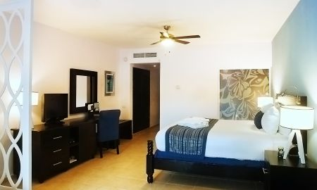 Privilege Honeymoon Suite - Ocean Blue & Sand - Punta Cana