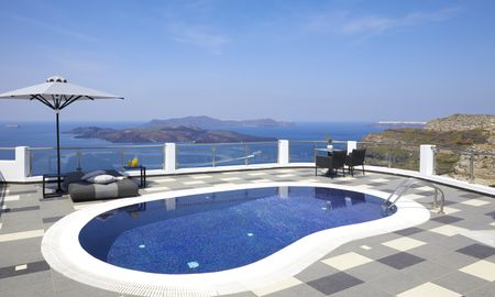 Petit Maison - Piscina Privativa - Petit Palace Suites - Santorini