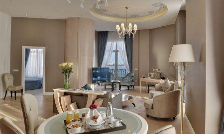 Угловой люкс с видом на Босфор - с доступом в лаундж - CVK Park Bosphorus Hotel Istanbul - Istanbul