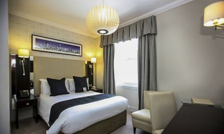 Queen Standard Room-Ground floor - Hotel Rydges Kensington - London