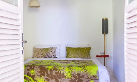 Annex Room - Casa Amarelo By Robert Le Heros - State Of Rio De Janeiro