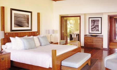 Shanti Villa with Pool - Shanti Maurice Resort & Spa - Mauritius Island