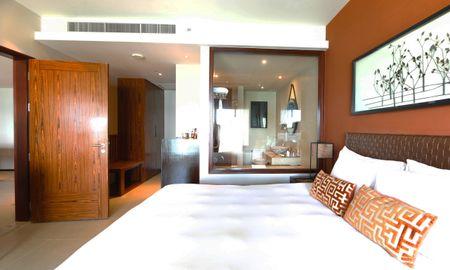 Grand Andaman sea view family suite - Crowne Plaza Phuket Panwa Beach - Phuket