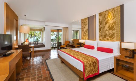 Club Ocean View 1 King Bed - Outrigger Laguna Phuket Beach Resort - Phuket