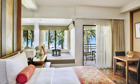 Ocean Front 1 King Bed - Outrigger Laguna Phuket Beach Resort - Phuket