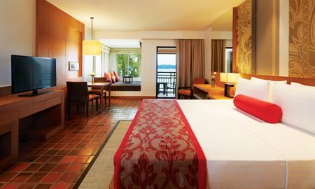 Club Ocean Front 1 King Bed - Outrigger Laguna Phuket Beach Resort - Phuket