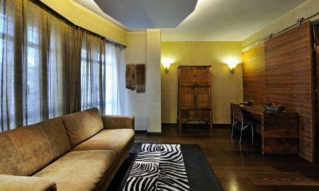 Junior Suite - Hotel Gran Derby - Barcelona