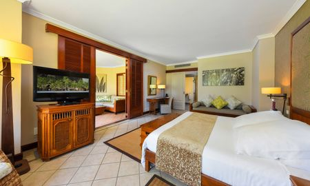 Triple Junior Suite - Dinarobin Beachcomber - Mauritius