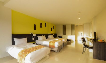 Pent Triple avec Vue - The Lantern Resort Patong - Phuket