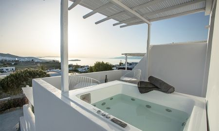 Deluxe Room - Sea View - Outdoor Jacuzzi - Ostraco Suites - Mykonos