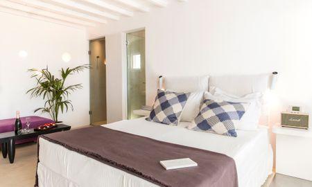 Myconian Superior room - sea view - Ostraco Suites - Mykonos