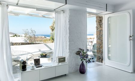 Myconian Superior room - sea view - Ostraco Suites - Mykonos